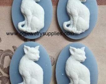 25x18 oval resin cat kitten cameos white on blue sitting 4 pcs