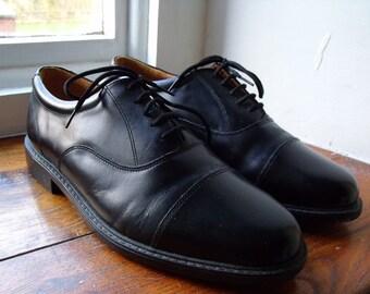 Vintage UK 8 US 9 EU 42.5  black leather lace up shoes. Extra wide