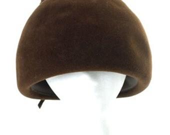 """Vintage 1960s """"Bubble"""" Helmet-Style Hat"""