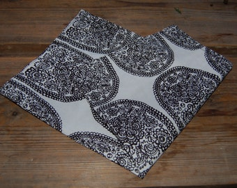 Tantsu napkin, 40x40cm,  Marimekko fabric by Maija Isola, black and white