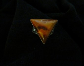 ring tongue of fire agate set in Mount silver size 10