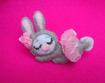 Bunny brooch felt Little Dreamer – Ballet Girl with tutu skirt