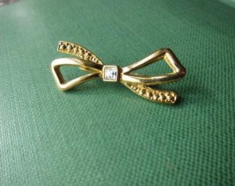 Vintage Gold Tone Bow Brooch Rhinestone