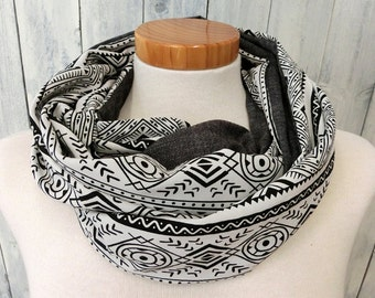 Loop Scarf, ethno, tribal, black and white
