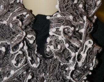 Grey Sundance Fancy Pompom Frill Crochet Ruffled Boa Scarf   ET 9092091