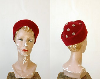 1950s Cranberry Ladybug Hat --- Vintage French Velour Hat