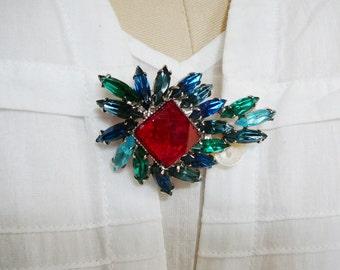Vintage .. Rhinestone Brooch, Sapphire Green Aqua Cherry Red Silver Tone