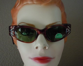 "Vintage 50's ""CALOBAR"" Women's Cat Eye-Rhinestone SunGlasses NEW Old Stock Tortoise  Color Frame -Green Tint Lens Made in France"