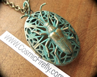 New Bug Locket Necklace Steampunk Necklace Verdigris Green Style Insect Necklace Antiqued Brass Oval Locket Bug Jewelry From Cosmic Firefly