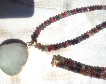 Agate Gemstones necklace with an amazing light green Druze pendant
