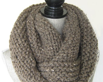 Women's Knit Chunky  Cowl - Wool Blend  Chunky Infinity Scarf -  Chunky Knit Cowl - Handknit Chunky Scarf - Women's Snood