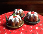 1/12 Scale (Dollhouse) Frosted Bundt Cake on Metal Plate - Choose With or Without Greenery