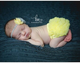 Baby Girl Headband Set- Ruffle Bum Baby Bloomer and  Shabby Frayed Flower Headband- Baby bloomers- Photo Prop