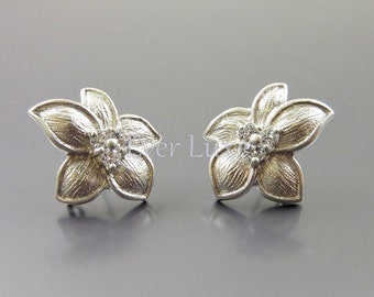 2 Flower with 5-pointed petal earrings, matte silver earrings with CZ Cubic Zirconia, earrings 1389-MR (matte silver, L&R, 2 pieces)