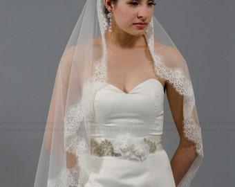 wedding veil, bridal veil, mantilla veil, fingertip length veil, alencon lace veil, wedding veil ivory