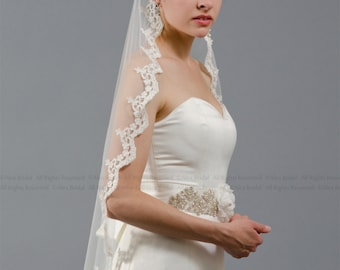 wedding veil, bridal veil, mantilla veil, finertip length veil, alencon lace veil, wedding veil ivory, wedding veil