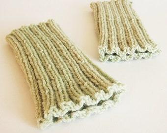 SALE - Hand Knitted Wrist Warmers, Fingerless Gloves, wrist warmers, knitted gloves, knittted fingerless mittens