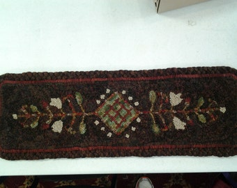Antique Engraving Rug Hooking Pattern on monks cloth