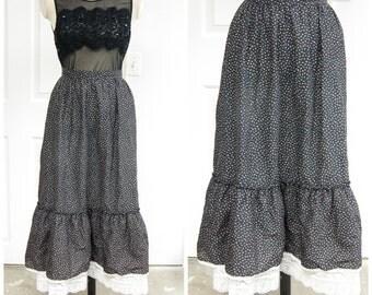 70s Floral Maxi Skirt Lace Ruffle Tier XS Small Prairie Hippie Boho Retro Gypsy