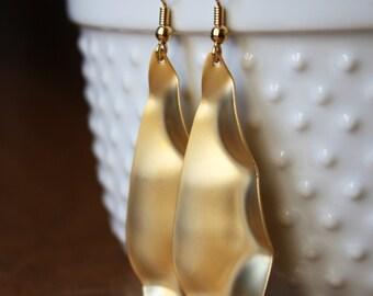 Long matte gold hammered teardrop earrings E119-G