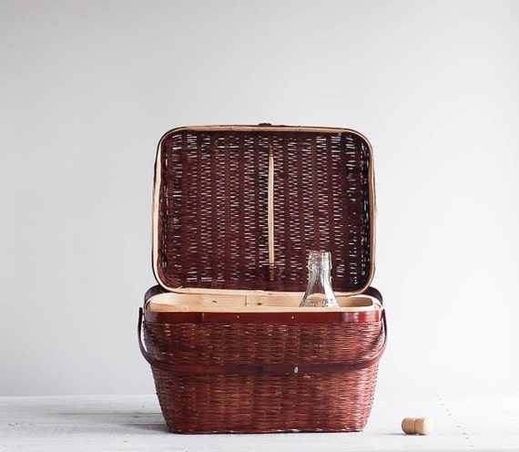 Woven Basket With Hinged Lid : Vintage picnic basket wicker with hinged lid