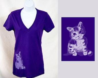 Sitting Kitty Tshirt - Womens