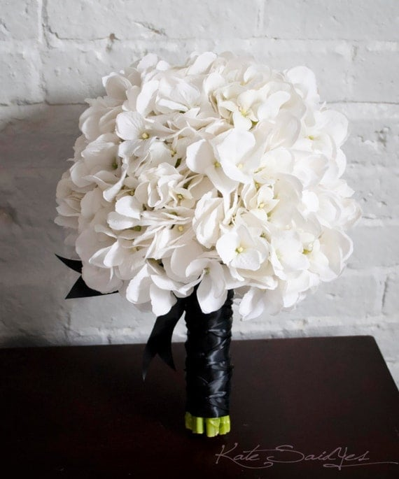 white hydrangea wedding bouquet white hydrangea wedding bouquet white and black hydrangea 1342