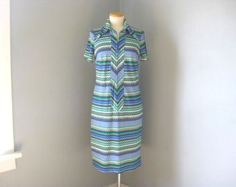 1970s Vintage Chevron Scooter Dress with Star Zipper Pull