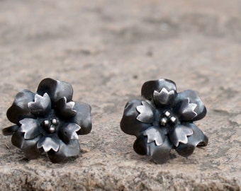 40's Silver Floral Blossom Earrings Screwback