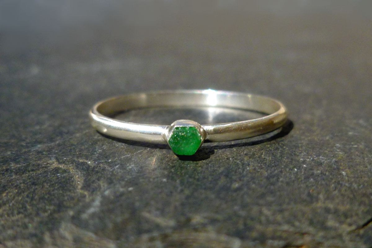 emerald stack ring in recycled silver