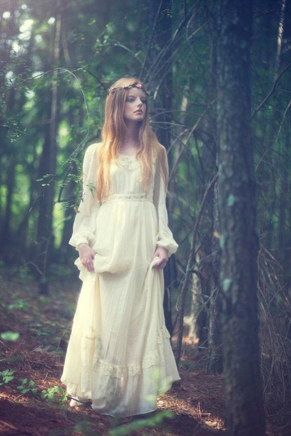 70s Boho Wedding Dress. Hippie Prairie Tiered Wedding Maxi Dress. Size S/M