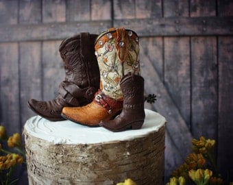 Western-family-custom-wedding-cake topper-hunting-bride-groom-cowboy-cowgirl-boot-hat-Mr and Mrs-rustic-boots-country-weddings-baby-hunter