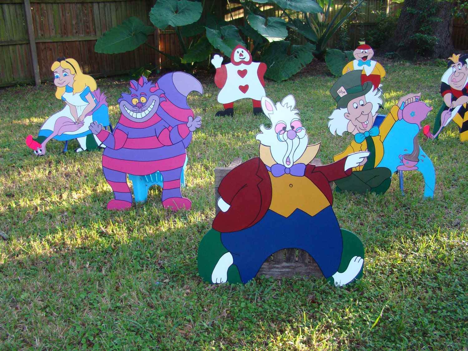 Mad hatter tea party decoration ideas -  Zoom