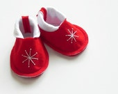 BABY BOOTIES - Perfect Stocking Stuffer - New Baby Gift - Scandinavian Red and White - Size Newborn to 6 Months - Star Lit