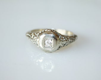 Vintage Art Deco Engagement Ring / White Gold 14K with Diamond / Size 8 1/2