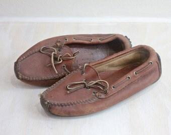 Vintage Rustic Leather Minnetonka Moccasins Sz 7