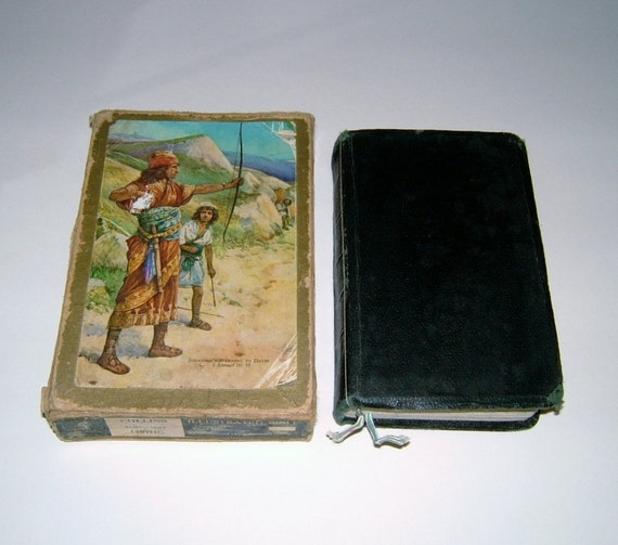 1960s Collins King James Ruby Text Illustrated Bible Leatherold with Gold Edges in Original Box