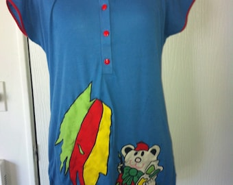 Cutest Blue Top with a painting bear with pockets