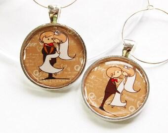 Wedding Wine Charms, Bride Groom, bride groom charms, Wine Charms, barware, wedding reception, silver plate (2851)