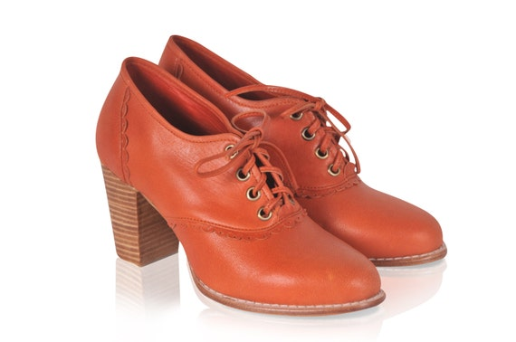 LACE. Leather oxford shoes / leather lace up boots / leather oxfords / leather booties. Sizes US 4-13. Available in different leather colors