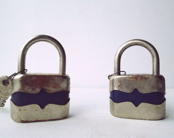 1 Pc Vintage retro blue padlock miniature lock and key - Blue - (I)