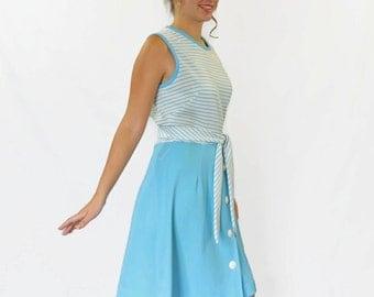 60s blue white dress. Twee dress. Mint condition. Deadstock. Sleeveless. Large. Blue white stripes. Mad Men fashion.  Summer dress Easter