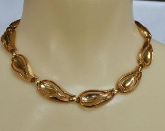 Vintage 1943 KRAMER Necklace Earrings Gold  Signed Clip