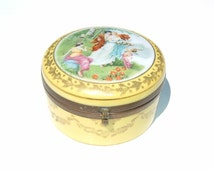 1900 Romantic HANDPAINTED Gold Leaf and Poreclian Maize colored Case with Mirror