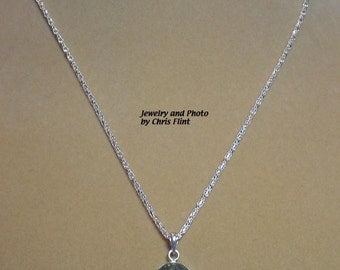 Lovely 18 inch Labradorite necklace - N083