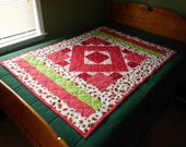 ON SALE! Red Green and White Lap or Baby Quilt