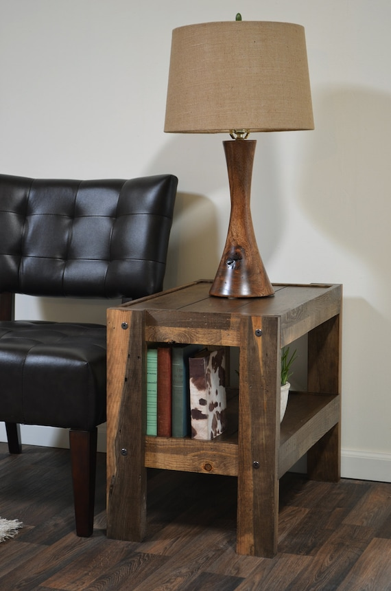 Reclaimed end table pallet wood barn wood style by - Mesa auxiliar para sofa ...