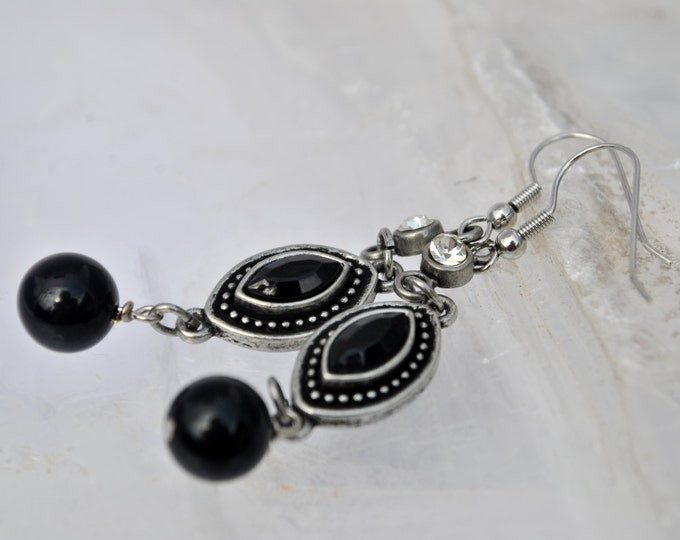 Sophisticated black and silver earrings with rhinestones