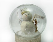 Snowman Snow globe, Christmas Decoration, Personalization Ornament Gift - 358studio