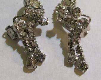Vintage  50s dramatic dangling dangly DANGLE RHINESTONE clip EARRINGS